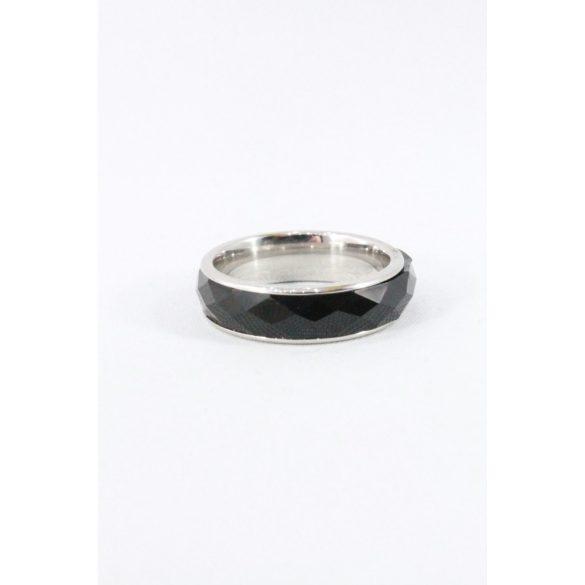 Nemesacél fekete fazettált köves gyűrű 6mm