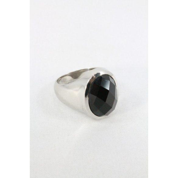 Nemesacél fekete fazettált köves ovális gyűrű 16mm