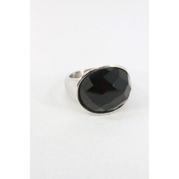 Nemesacél fekete fazettált köves ovális gyűrű 20mm