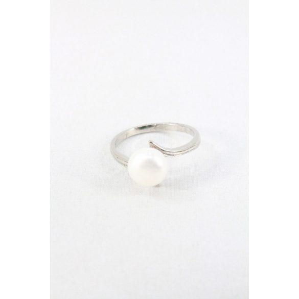 Nemesacél tenyésztett gyöngyös gyűrű, fehér
