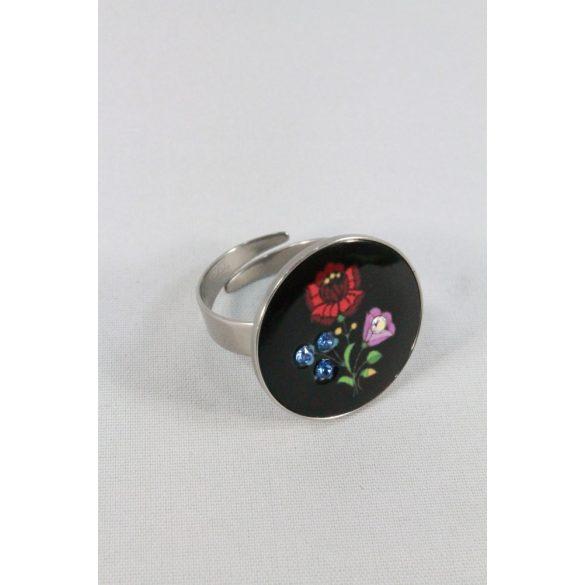 Nemesacél Swarovski kristályos Matyó gyűrű, fekete kerek