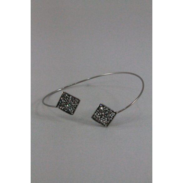 Nemesacél Swarovski szórtkristályos  kétnégyzetes karkötő 10