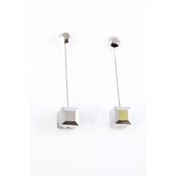 Nemesacél Swarovski kristályos Kocka lógós fülbevaló, hematitszínű