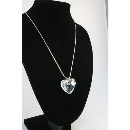 Nemesacél Swarovski kristályos Nagy Szív nyakék, 35mm